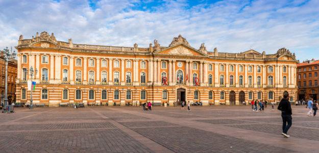 Le Capitole Toulouse en Midi-Pyrnes, Occitanie en France, OUIGO Paris - Toulouse